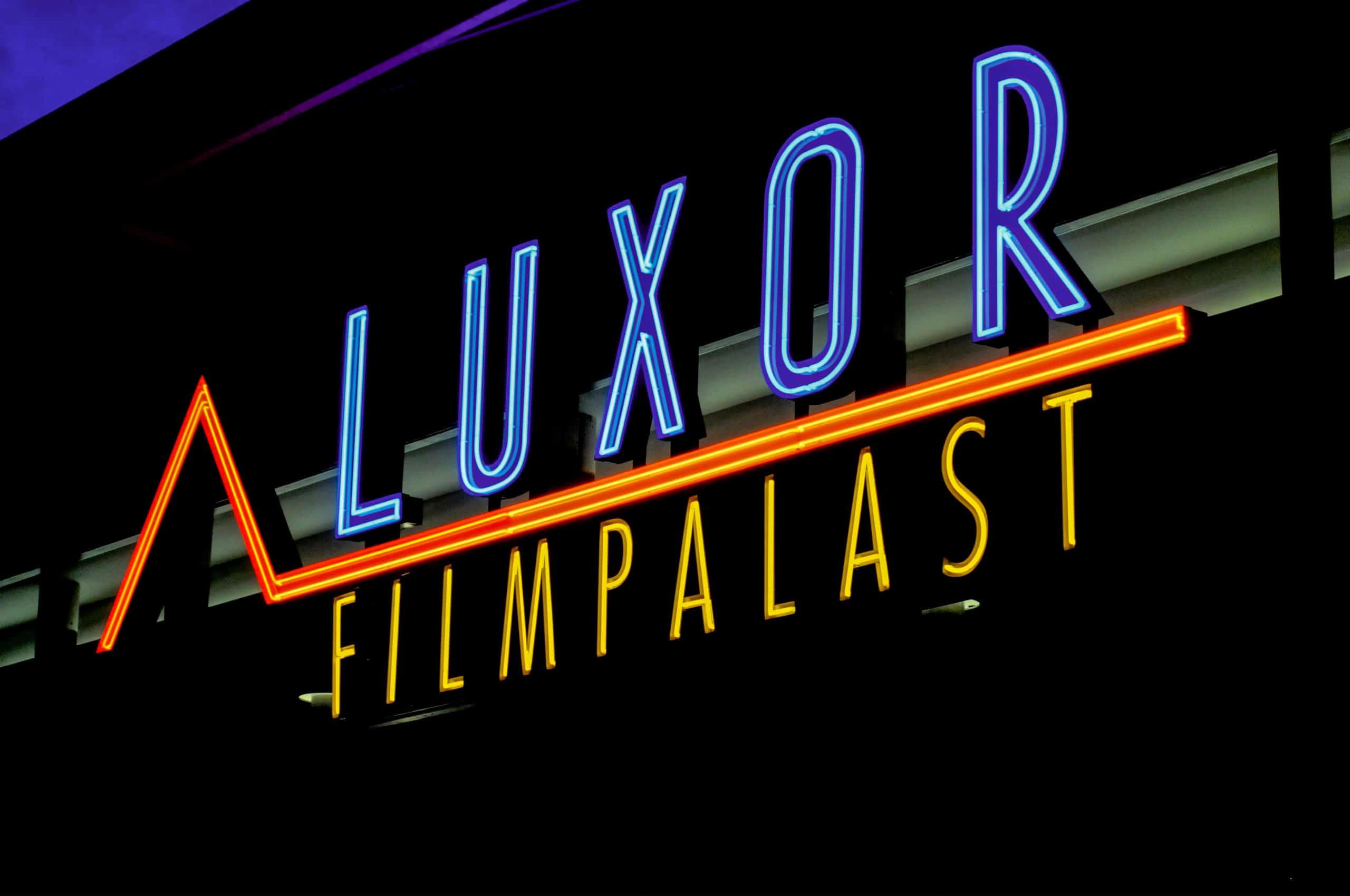 Luxor Filmpalast – Neon